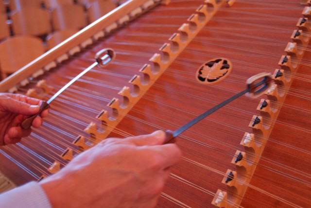 Some simple techniques for hammered dulcimer arranging, part 1
